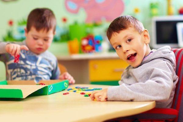 دلایل اوتیسم